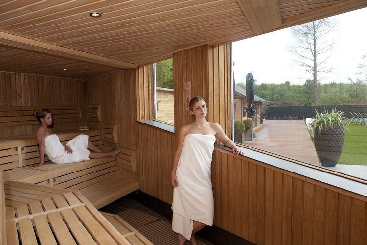 sauna noord brabant saunadag en rasul bij wellnessresort. Black Bedroom Furniture Sets. Home Design Ideas
