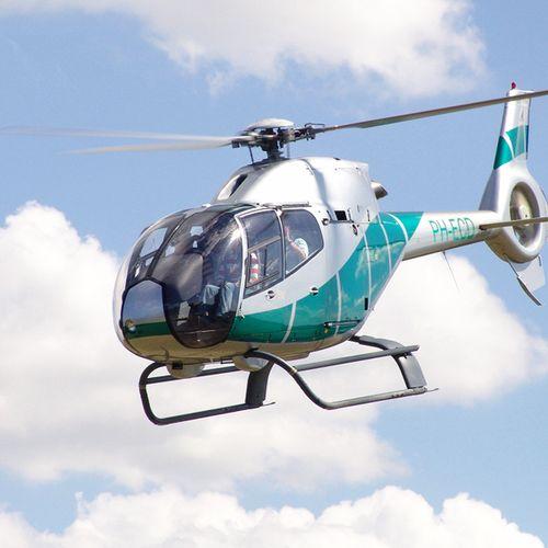 Helikoptervlucht boven Nederland of Belgi� (1 p.)