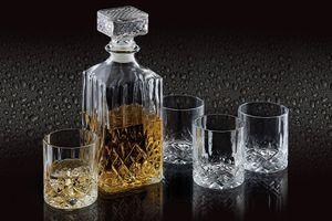 Whiskeyset met een karaf en 4 glazen