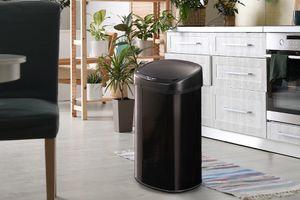 Poubelle noire avec capteur (68 litres)