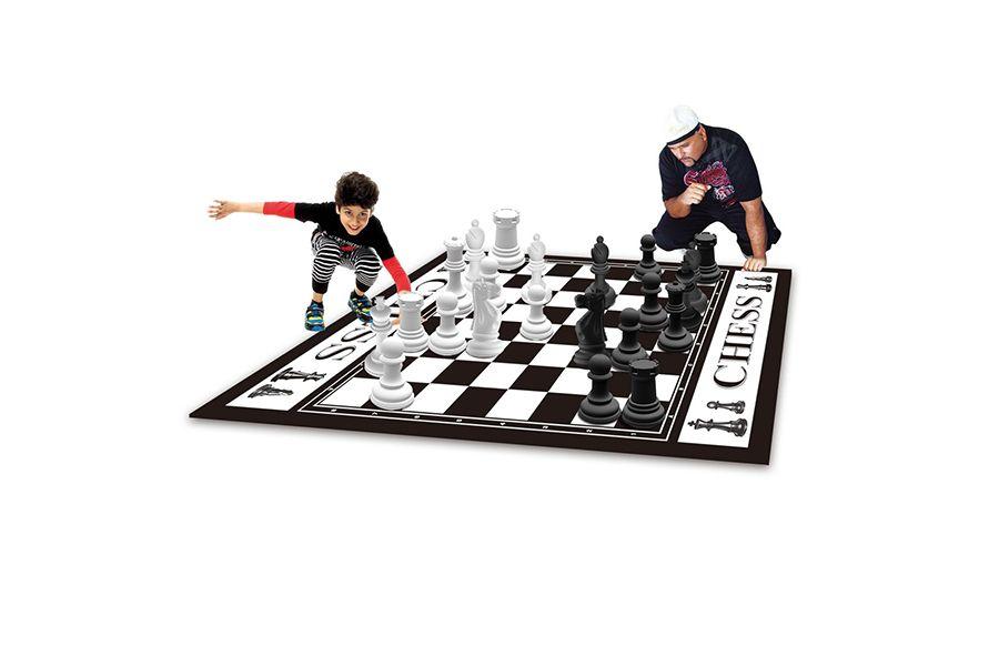 Extra grote schaakset voor buiten