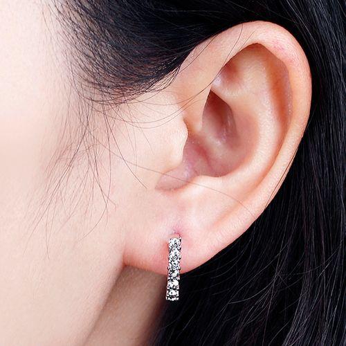 Zilverkleurige oorbellen Hadriana van Diabelle