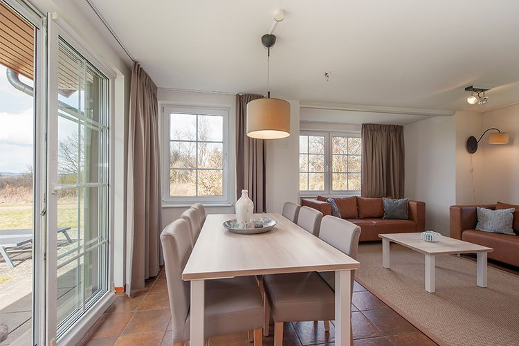 Verblijf in een vernieuwde bungalow op Roompot Cochem