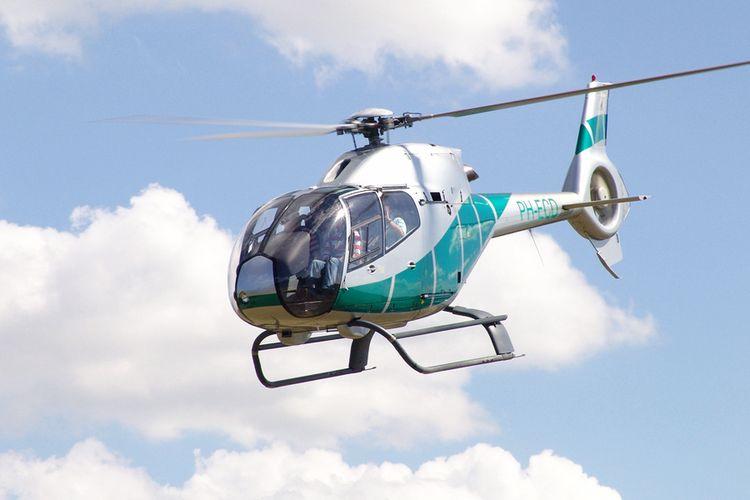 Helikoptervlucht boven Nederland of België (1 p.)