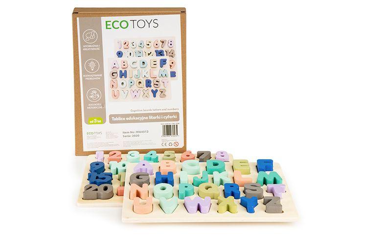 2 speelborden met letters en cijfers