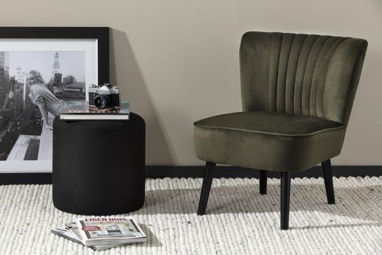Olijfgroene stoel van Lifa Living (model: Sofia)