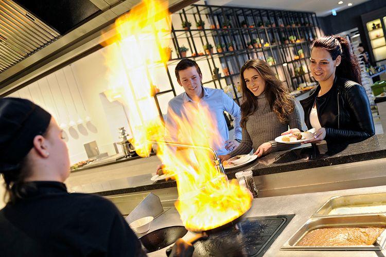 Onbeperkt Live Cooking diner Van der Valk Tiel (2 p.)