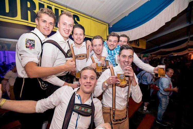 Oktoberfest in Leeuwarden - Jetzt Geht's Los! (2 p.)