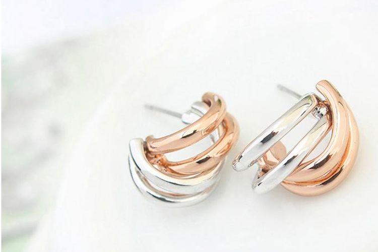 2-kleurige oorbellen met laagje wit- en ros�goud
