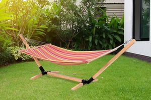 Hangmat met luxe houten standaard van Feel Furniture