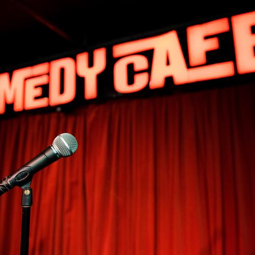 Comedy Caf�