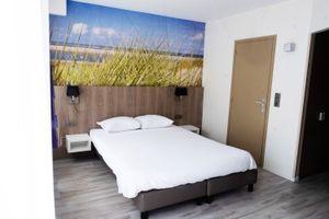 Nuit dans un hôtel sur la digue à Nieuport-Bains