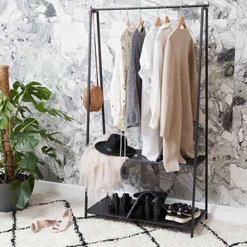 Zwart metalen kledingrek